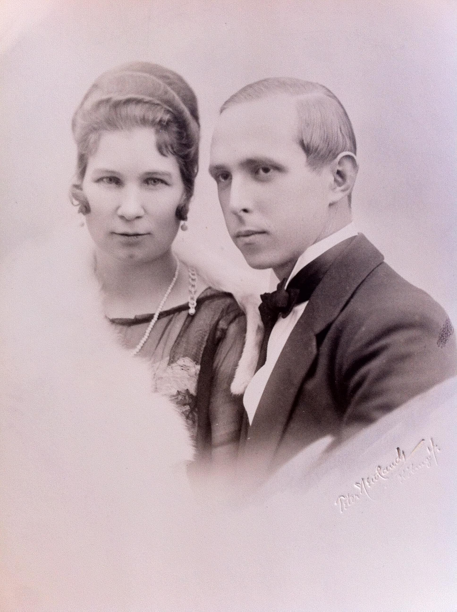 Evas föräldrar, konstnären Bernhard Neuman med fru Florence
