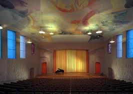 Stora salen i Kulturhuset var i många år platsen för Antroposofiska sällskapets årsmöte. Numera avhandlas ärendena i ett mindre rum.