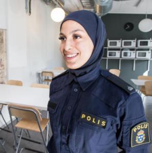 Polisuniform Slöja